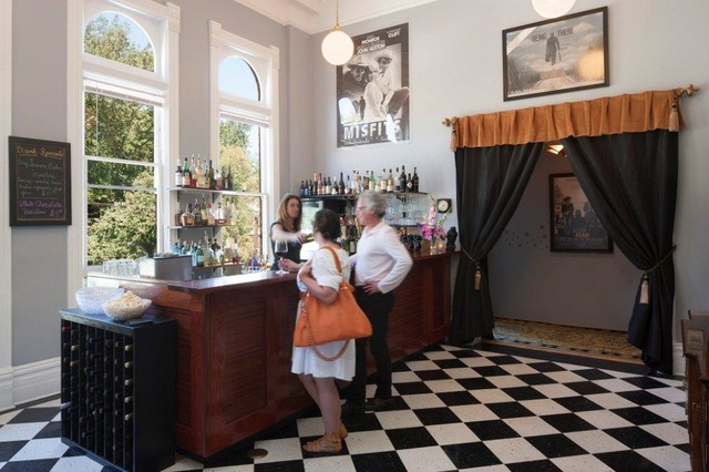 port townsend chat rooms Need a great hotel at a cheap rate travelocity has the best list of hotels in port townsend 🏨 here  only 527 rooms left in port townsend.