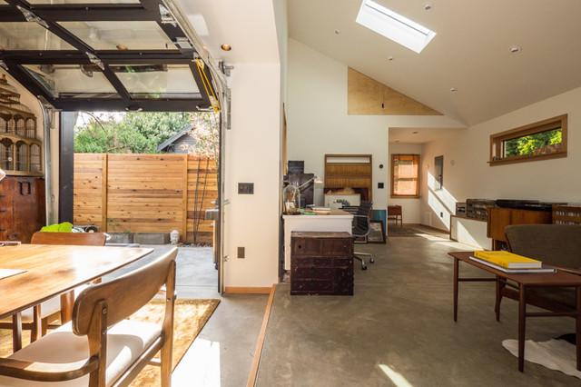 Japanese modern adu tiny house for a designer modern for Adu designs