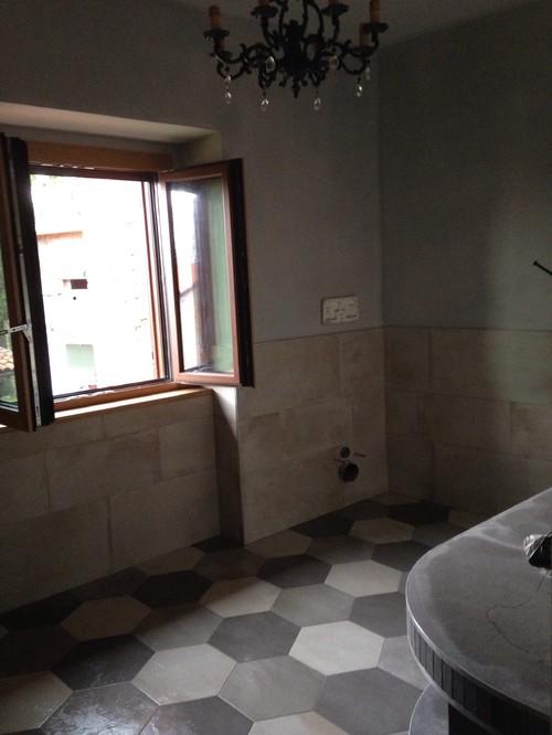 che delusione il colore grigio delle pareti del bagno venuto male
