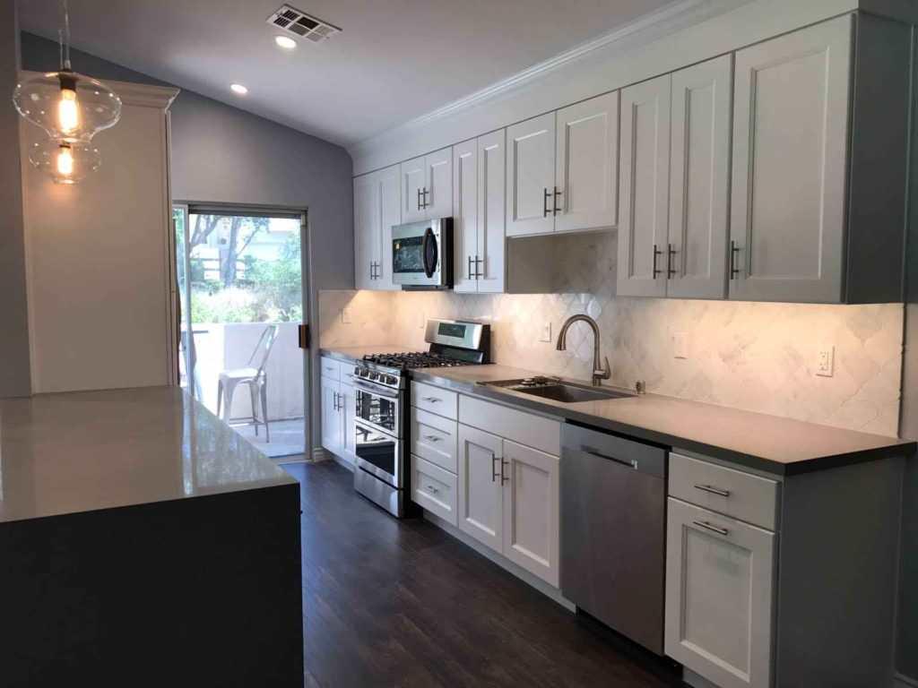 Kitchen in Valley Glen