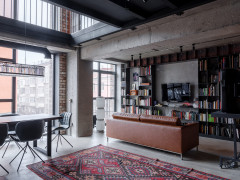 Houzz тур: Двусветные лофт-апартаменты на бывшем заводе