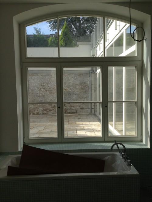 sichtschutz f r runde loft fenster. Black Bedroom Furniture Sets. Home Design Ideas