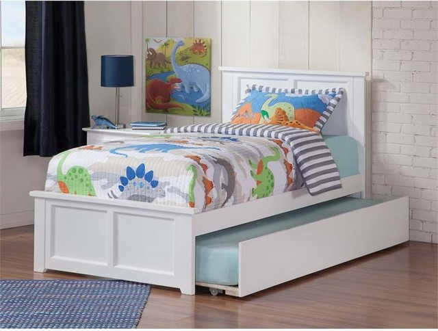 Madison Twin Bed With Matching Foot Board With Urban Trundle Bed In White.