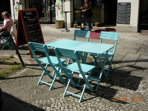 Berlin Cafe (from Flickr user tellmewhat2)  patio