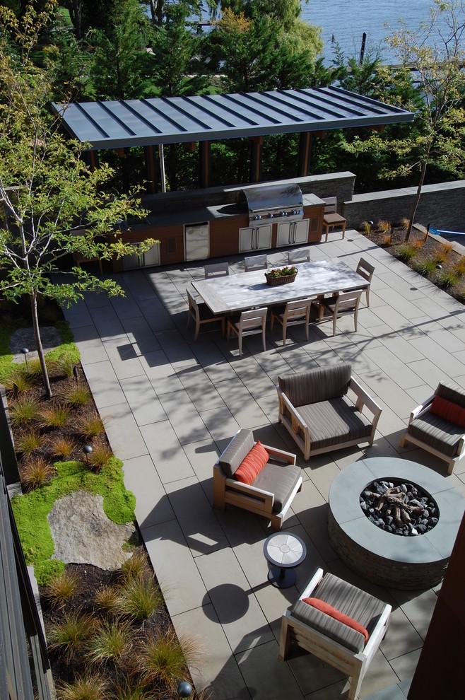 Minimalist patio photo in Seattle