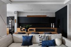 Houzz тур: Квартира с черной кухней и крошкой-сауной