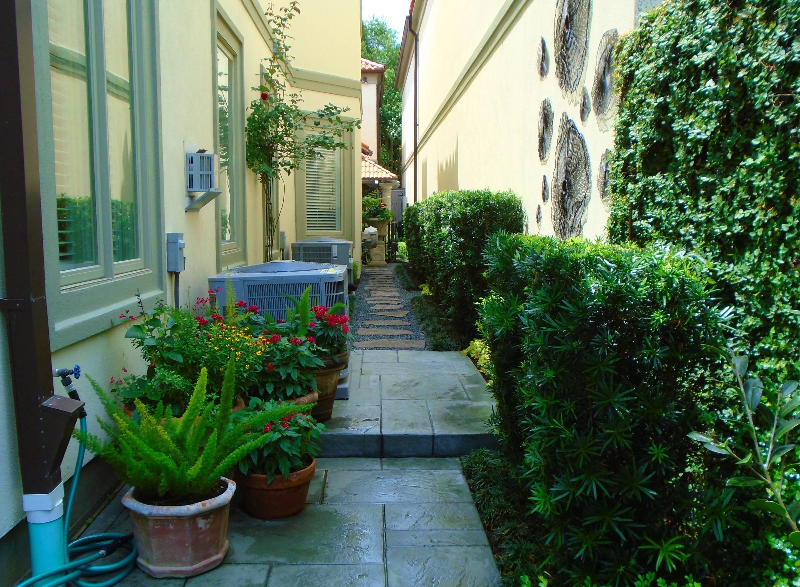 Outdoor Art Gallery, Garden and Living Space