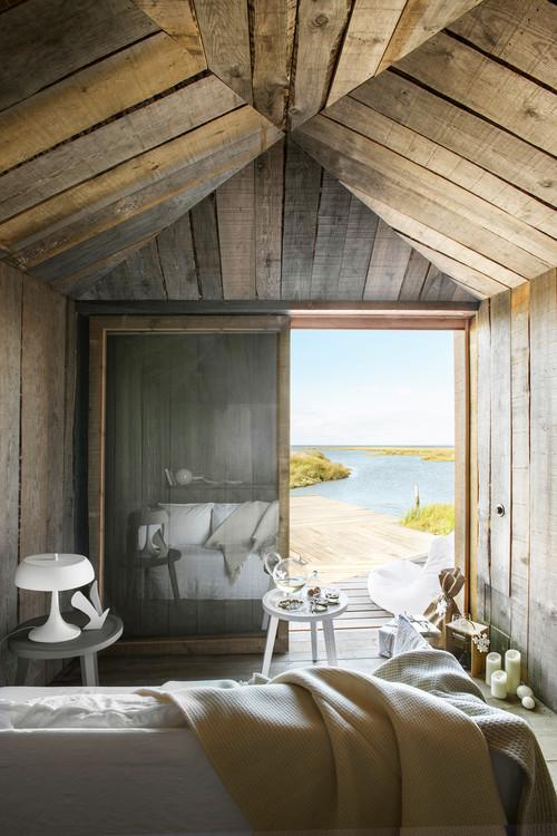interior de cabañas en portugal de alquiler en la Reserva Natural do Sado del estudio de arquitectura aires mateus en diariodesign magazine