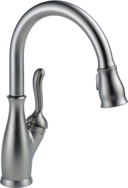 Delta Leland Single Handle Pull-Down Kitchen Faucet, Arctic Stainless