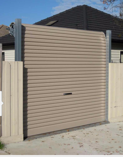 Exceptionnel Freestanding Garage Door And Fence