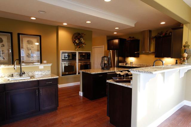 Maronda model home traditional kitchen cincinnati for Model home interior pictures