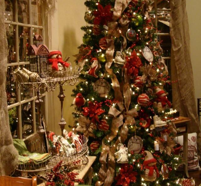 Traditional Christmas.Homespun Traditional Christmas Tree Eclectic Atlanta
