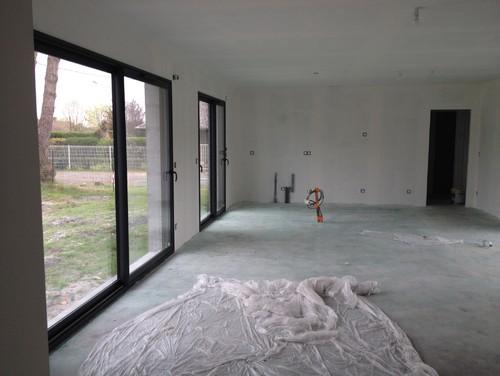 Peinture d 39 un mur salon cuisine ouverte for Peinture mur salon design
