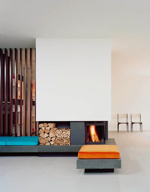 Apartment in stuttgart kaminzimmer modern stuttgart for Kaminzimmer modern einrichten