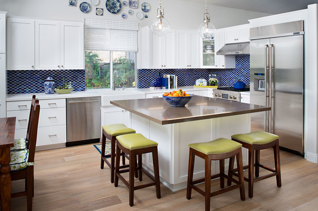 Tucana drive for Square kitchen designs with island