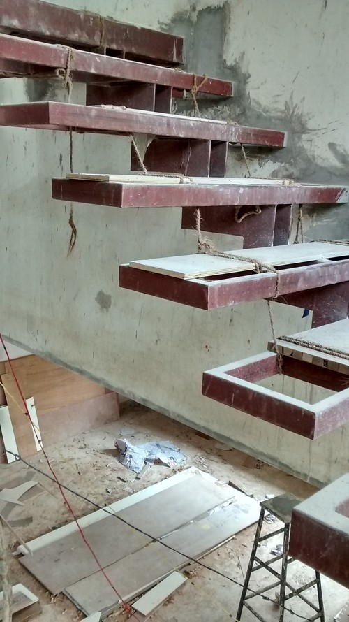 Wooden semi floating stairs for Free floating stairs