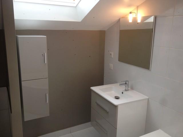 Salle De Bain Parisienne Lumineuse M Baignoire Angle Wc Intégré - Amenagement salle de bain 5m2