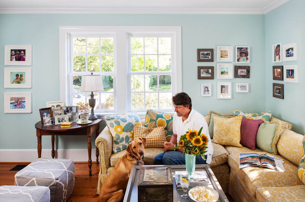 Inspiration for a transitional home design remodel in Richmond