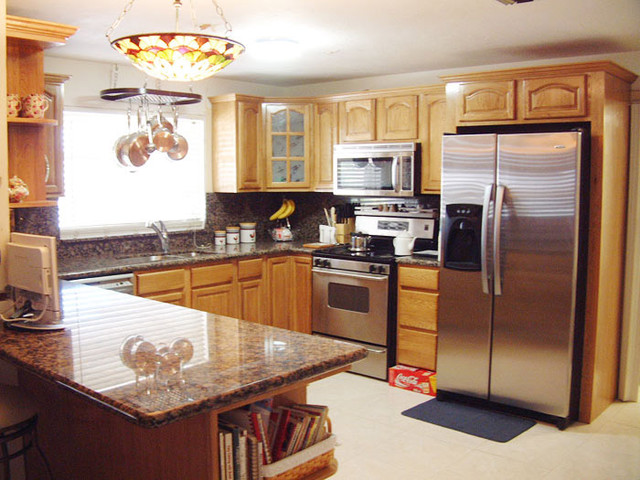 Honey Oak Kitchen Cabinets Home Design Traditional Columbus