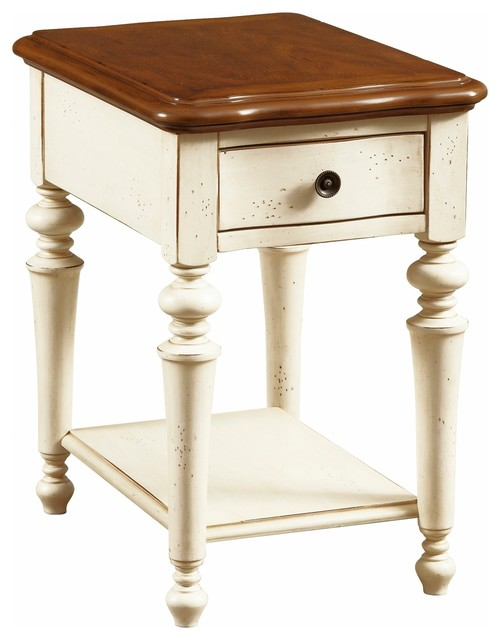 Broyhill Creswell Chairside Table, 2 Tone Traditional Side Tables And