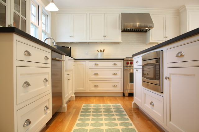 Example Of A Classic Home Design Design In Boston
