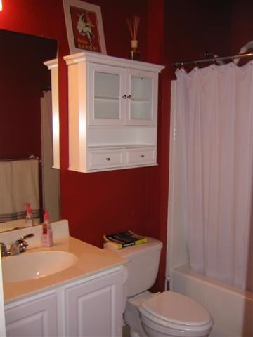 Nice Decorating Red Bathroom   Looking For Ideas