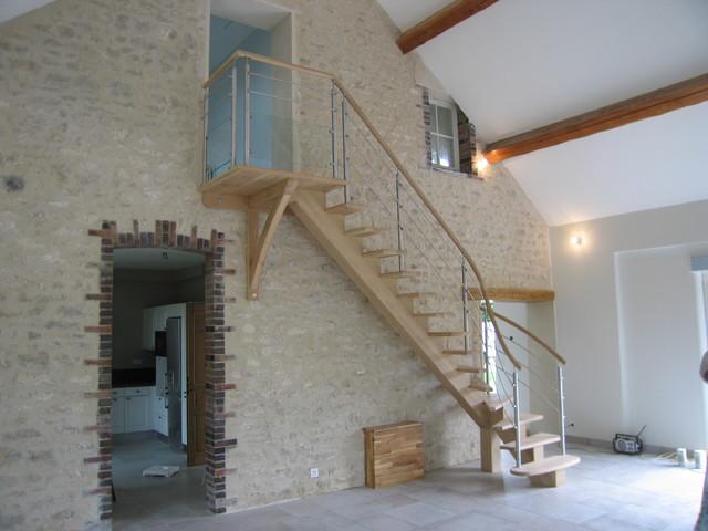 fr ne blanc sur poutre centrale contemporain rennes par hallou escaliers metal bois. Black Bedroom Furniture Sets. Home Design Ideas