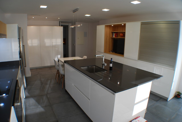 Example of a minimalist home design design in Madrid