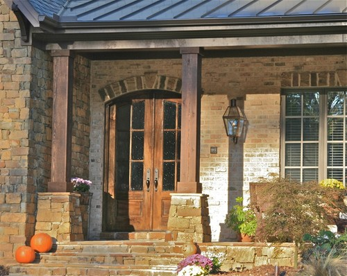 What Color Stain Was Used For The Front Door And Front Columns?