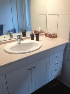 Quelles couleurs pour mon plan de travail de salle de bain - Largeur plan de travail salle de bain ...
