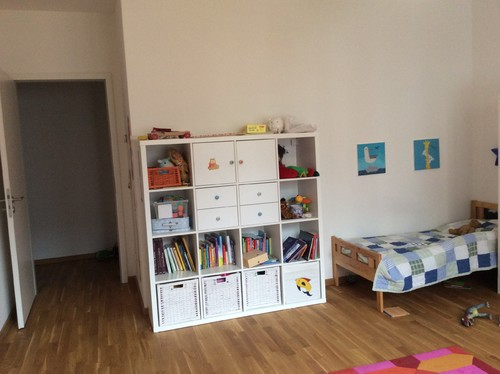 kinderzimmer f r baby und 2 j hrigen aufteilung und deko. Black Bedroom Furniture Sets. Home Design Ideas