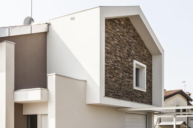 Montebelluna rivestimento esterno case singole moderno for Foto case moderne esterno