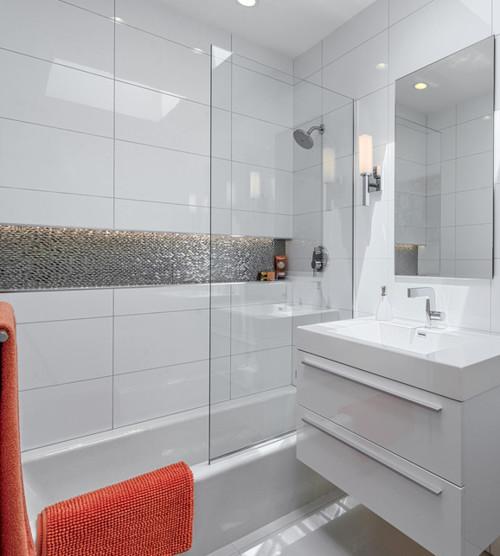 Gloss vs Matte in Shower?