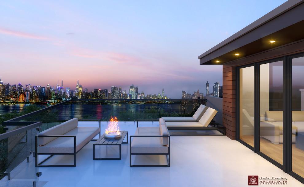 Contemporary cliffside home overlooking Manhattan