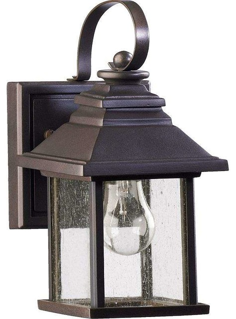 Pearson 1-Light Outdoor Wall Light, Oiled Bronze.