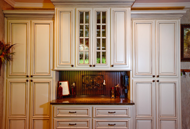Glazed Kitchen Cabinets Atlanta - Atlanta - by Kbwalls
