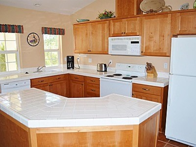 ... Mid Century Homes With A Modern To Traditional Décor Mix, Which We Are  Moving From. I Feel Very Confused About The Kitchen. I Like Cream And All  Blues.