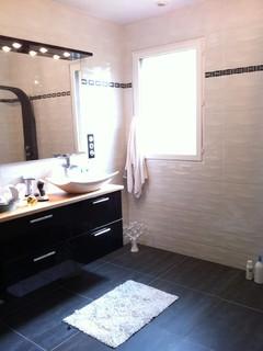 maison charleville contemporain salle de bain reims par isdesign. Black Bedroom Furniture Sets. Home Design Ideas