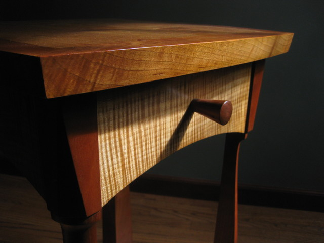 Bon CURLY MAPLE END TABLE W DRAWER Contemporary
