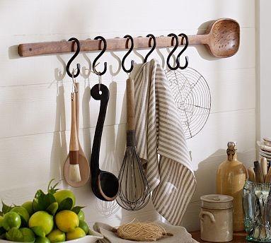 Cuisine Wall-Mount Wood Spoon with Metal Hooks