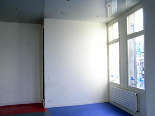 d coration contemporaine d 39 un salon. Black Bedroom Furniture Sets. Home Design Ideas