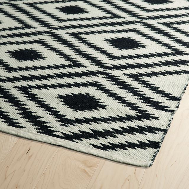 Kaleen Handmade Brisa Collection Rug, 2&x27;x6&x27;.