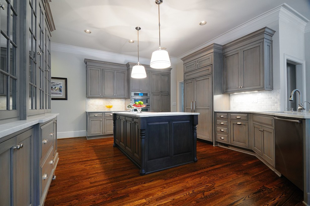 Transitional home design photo in San Francisco