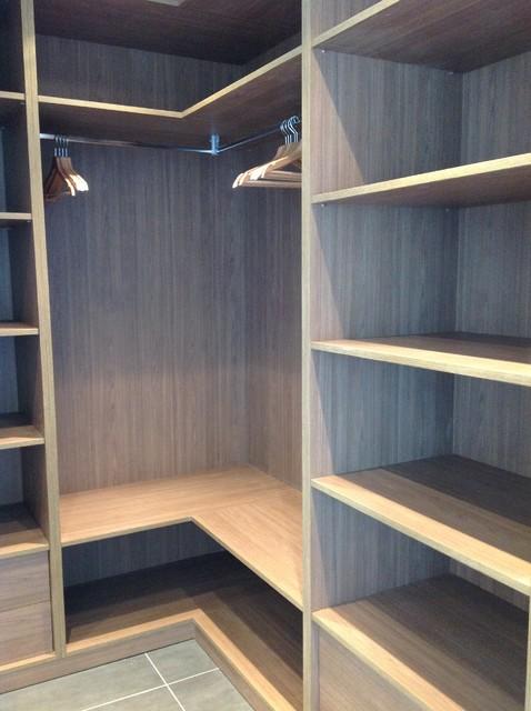 Aménagement Intérieur Du0027une Maison Neuve Modern Wardrobe