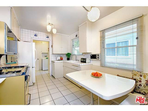 How To Update 1950s/1960s Kitchen?