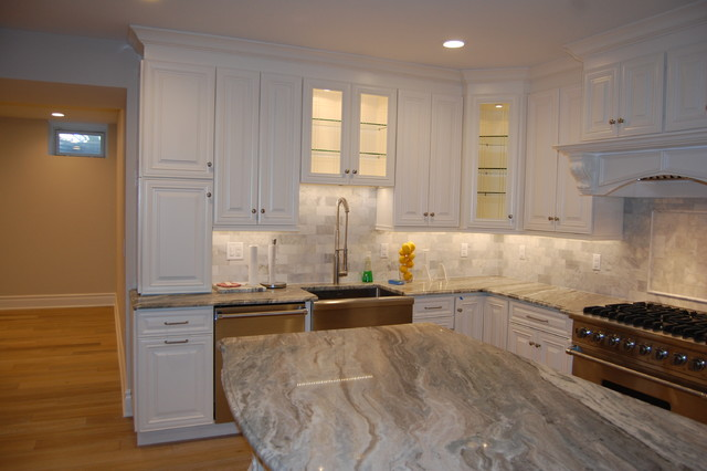Home design - transitional home design idea in New York