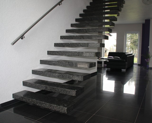Kragarmtreppe Granit Star Galaxy - Contemporain - Escalier ...