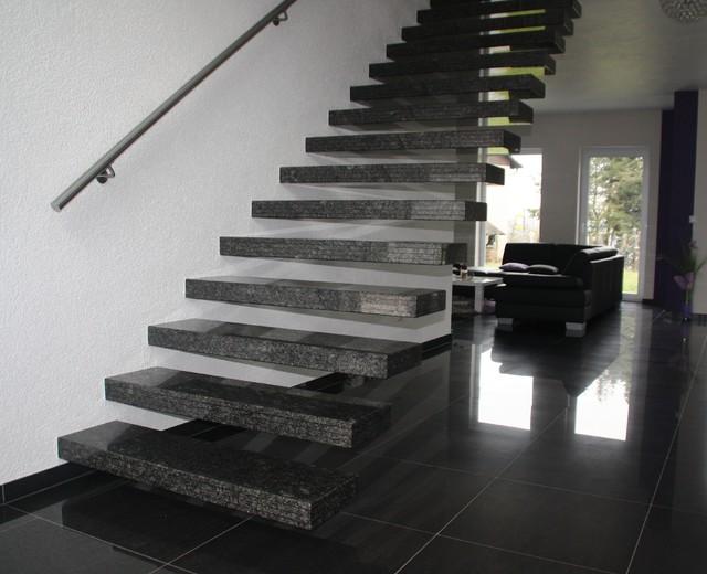 kragarmtreppe granit star galaxy modern treppenhaus. Black Bedroom Furniture Sets. Home Design Ideas