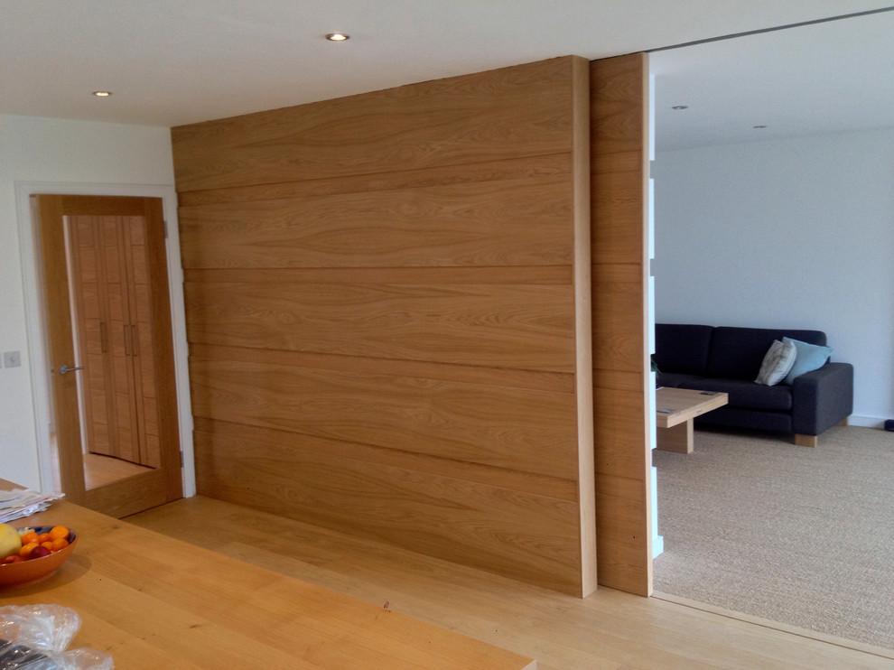 Bungalow Sliding Wall In Oak Modern