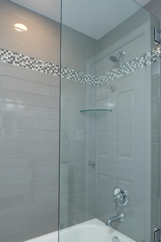 Bowie Colonial Hall Bathroom